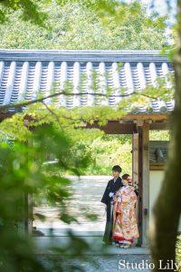 好古園の門で撮影